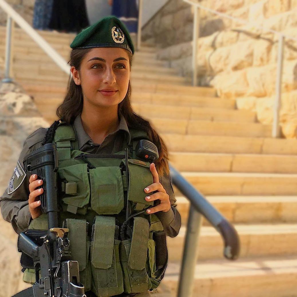 Военные девушки израиля. фото
