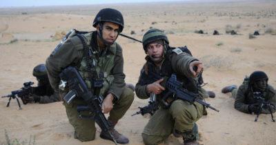 Белый «привет» из Палестины. Воздушные змеи со знаком свастики летают вдоль границы с Газой