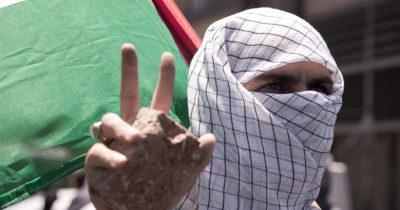 Солдаты ЦАХАЛа открывают огонь по террористам