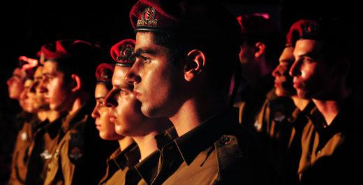 Армия солдаты.