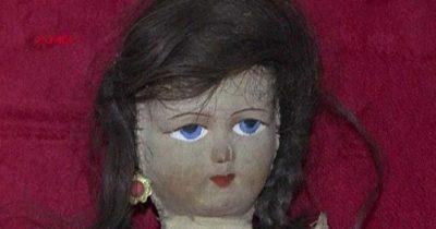 Куклу с волосами девочки ушедшей в Катастрофе выставили в Турции