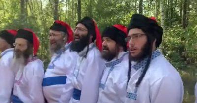 Хасиды оскорбили национальные чувства патриотов)