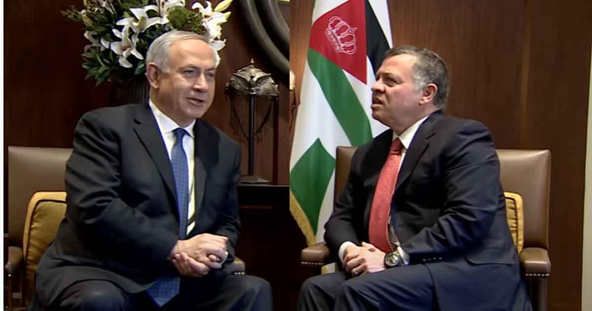 Король Иордании Абдалла II (справа) приветствует премьер-министра Израиля Биньямина Нетаньяху,