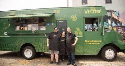 Фестиваль в Филадельфии остановил израильский фургон с едой, сославшись на «заботу о обществе». Реакция была жесткой