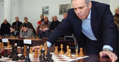 Каспаров вмешался в переговоры США и Ирана
